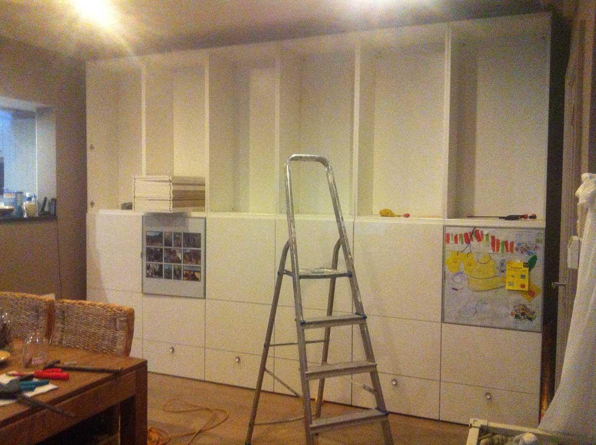 Un mur complet besta bidouilles ikea for Meuble de cuisine complet