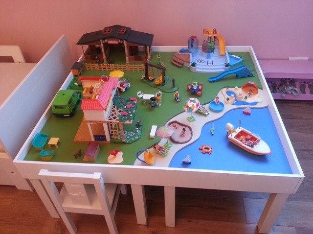 une table de jeu playmobil avec lack bidouilles ikea. Black Bedroom Furniture Sets. Home Design Ideas
