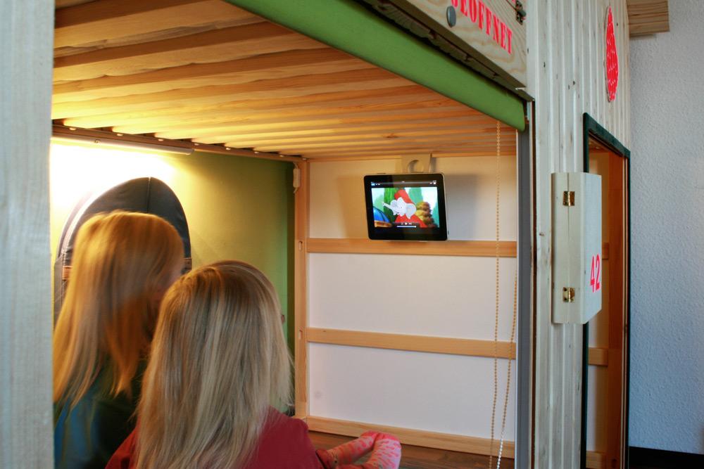 une cabane diy pour nos enfants bidouilles ikea. Black Bedroom Furniture Sets. Home Design Ideas