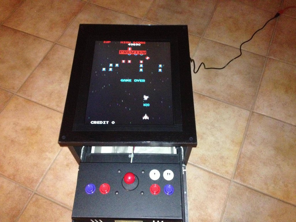 Borne d arcade diy avec une commode malm bidouilles ikea for Ikea table d arcade