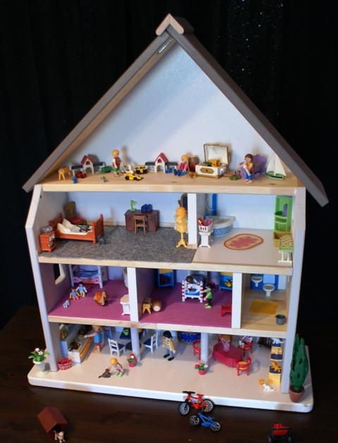 fabriquer une maison de poup e ou de playmobil bidouilles ikea. Black Bedroom Furniture Sets. Home Design Ideas