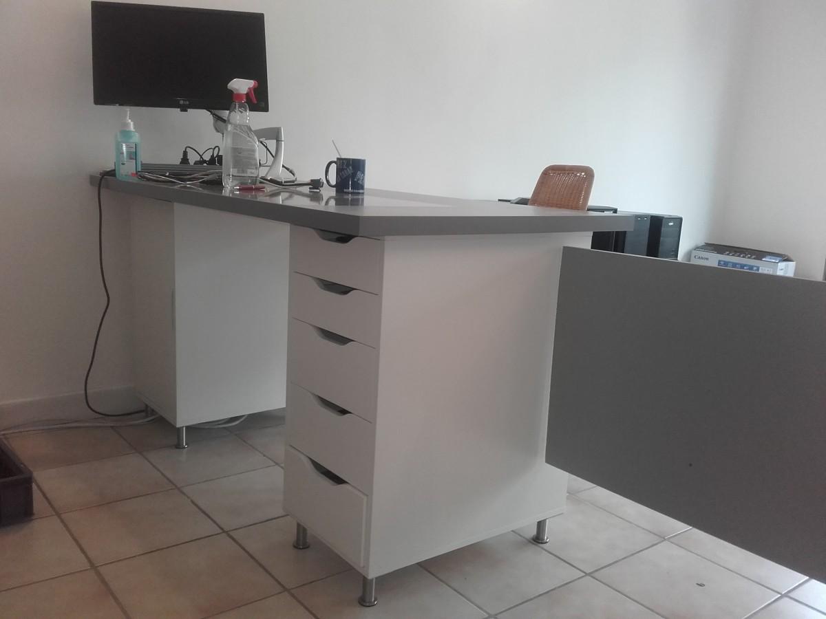 comptoir d 39 accueil et bureau pas cher pour un petit. Black Bedroom Furniture Sets. Home Design Ideas