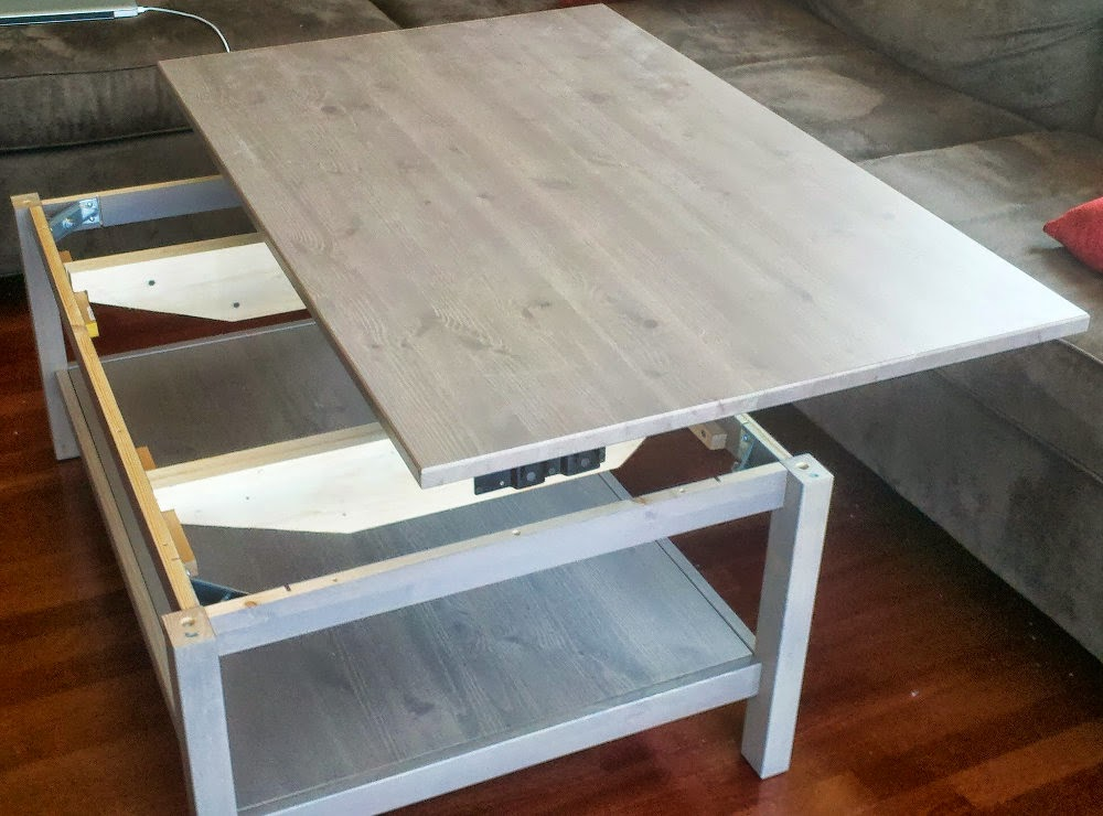 Table basse relevable ikea avec hemnes bidouilles ikea for Ikea table de salon
