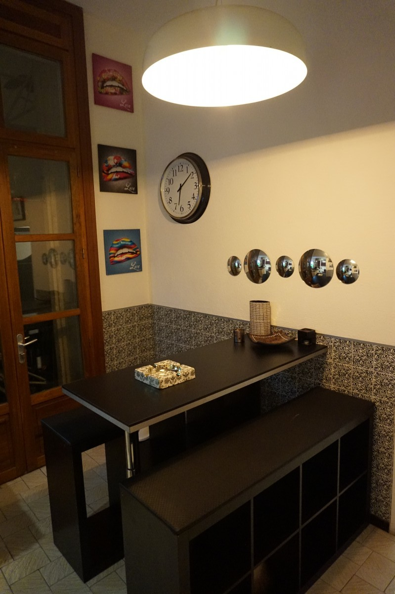 cr ation de table haute et bancs bidouilles ikea. Black Bedroom Furniture Sets. Home Design Ideas