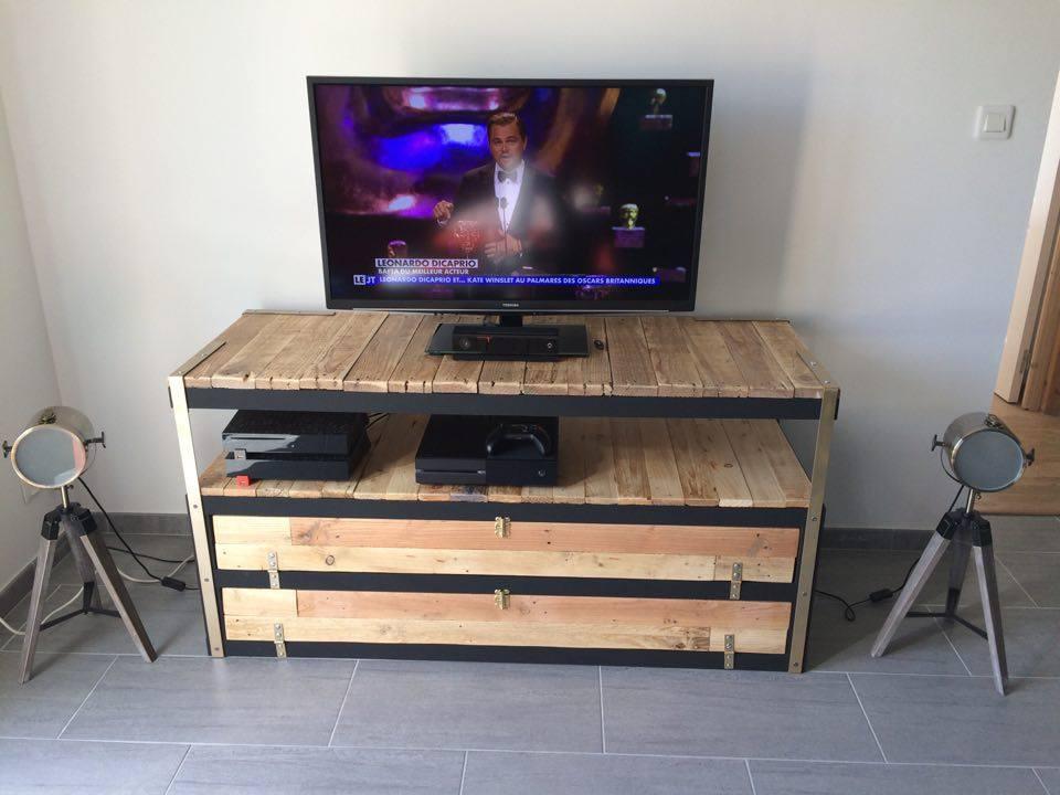 Un meuble t l industriel petit prix bidouilles ikea - Fabriquer un meuble tv industriel ...