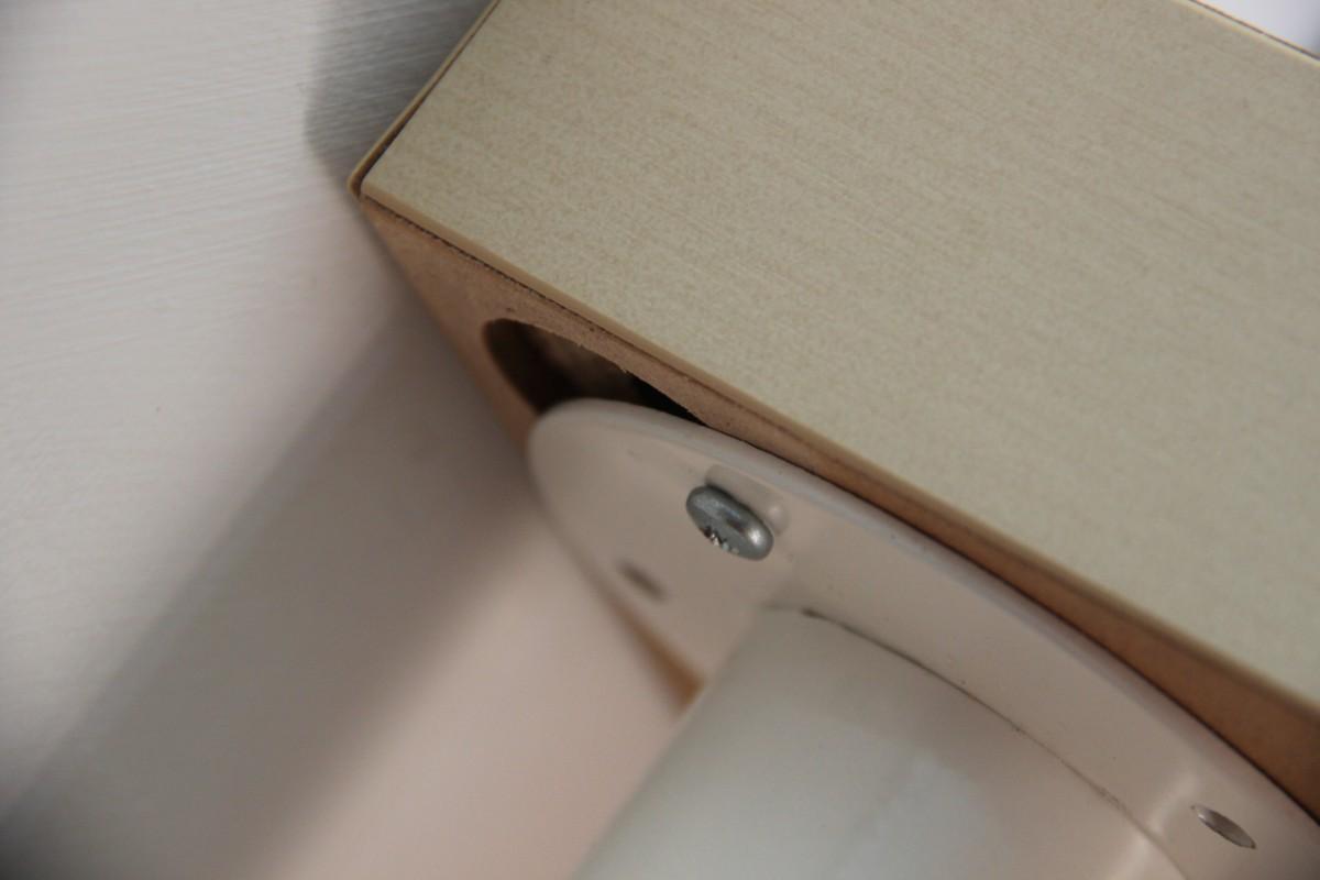 Un bureau petit prix avec lack bidouilles ikea - Pied pour bureau plateau ...