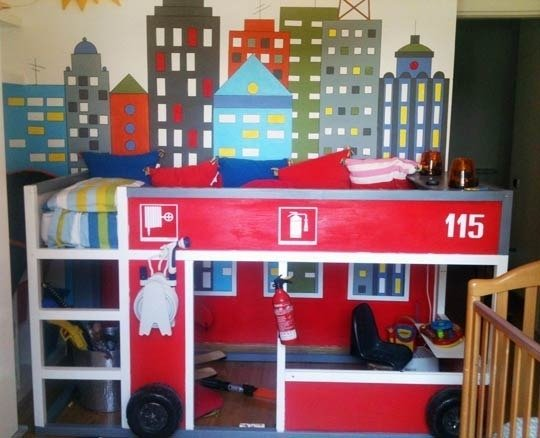 lit enfant kura customis avec du bois recycl. Black Bedroom Furniture Sets. Home Design Ideas