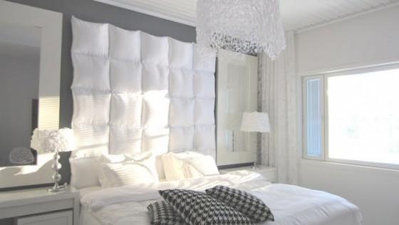 Tête de lit design et bien rembourrée avec peu d'argent