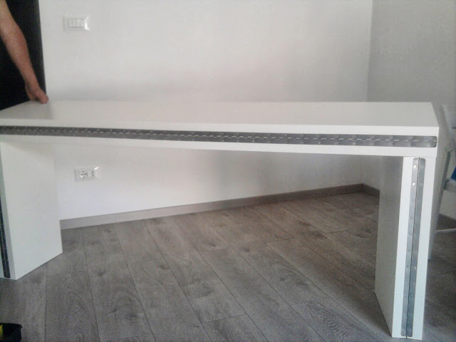 Console transformable en table bidouilles ikea for Meuble qui se transforme