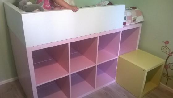 Un lit enfant bibliothèque DIY