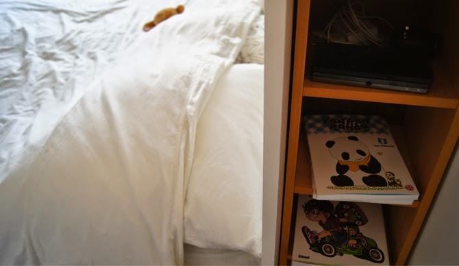 T te de lit blanche diy rangement int gr bidouilles ikea - Tete de lit avec rangement integre ...