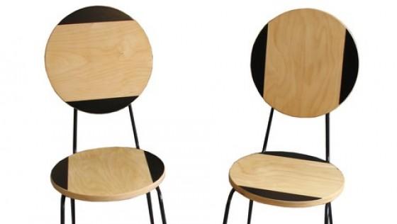 Chaise déco design avec un tabouret FROSTA