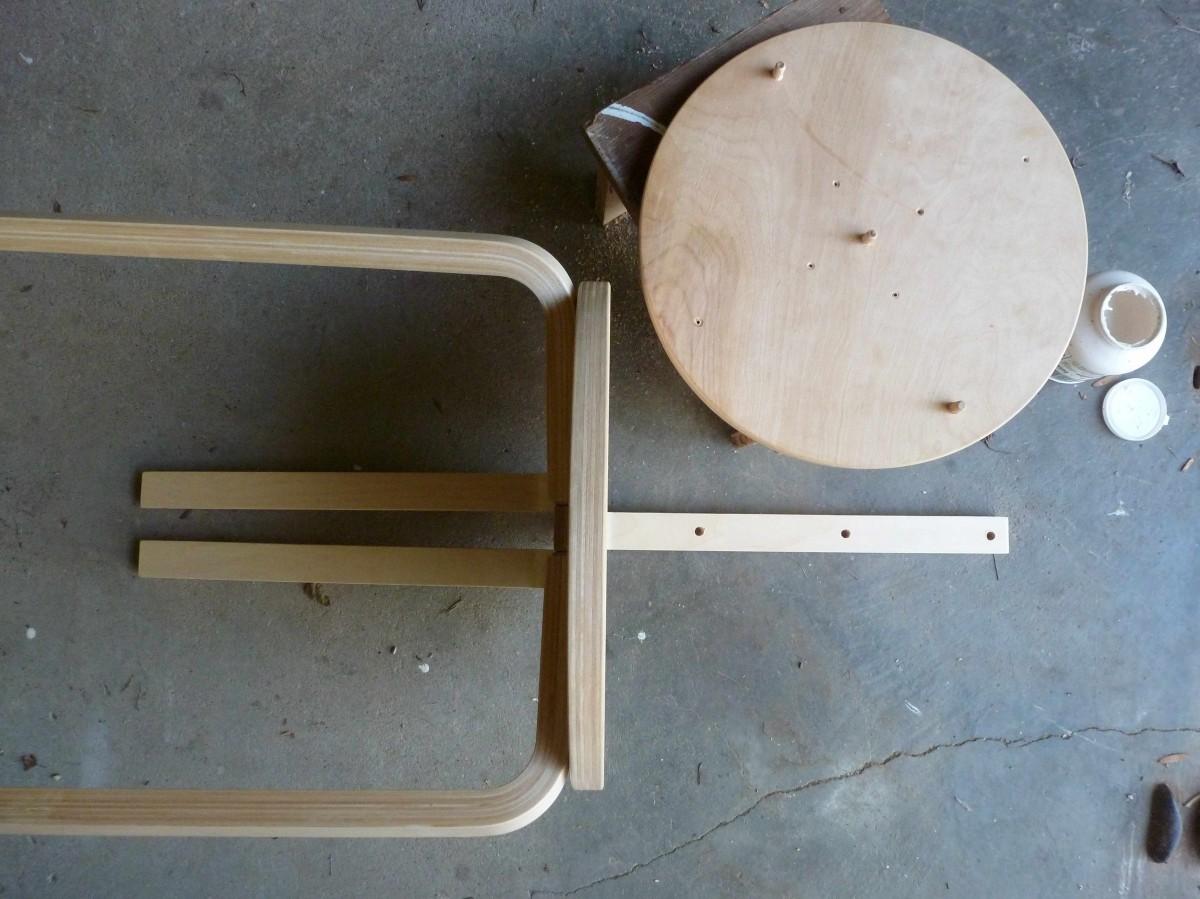 cette tape peut se faire chaise monte mais il est plus facile de dvisser la tige du dossier pour. Black Bedroom Furniture Sets. Home Design Ideas