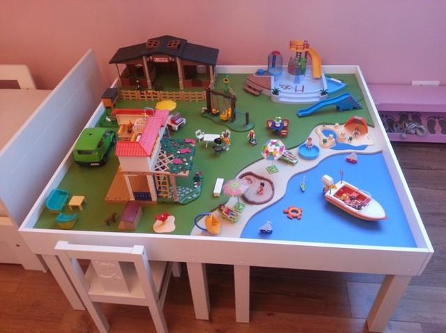 Idée Rangement Playmobil une table de jeu playmobil avec lack