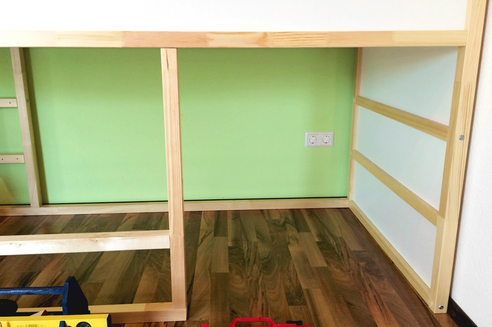une cabane diy pour nos enfants. Black Bedroom Furniture Sets. Home Design Ideas