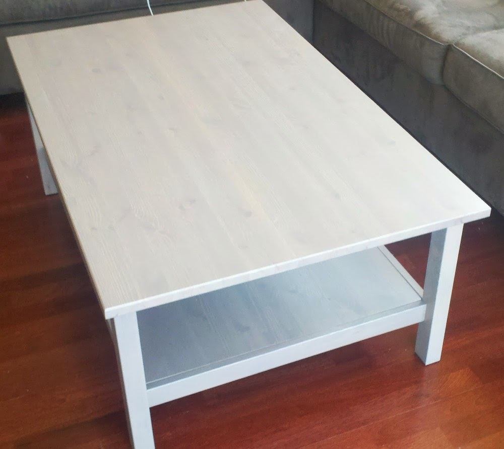 Table basse relevable ikea avec hemnes for Table de fusion ikea