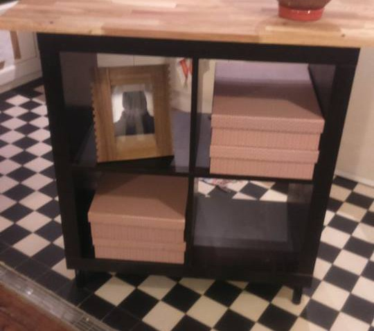 Relooking meuble kallax 4 cases for Meubles industriels ikea