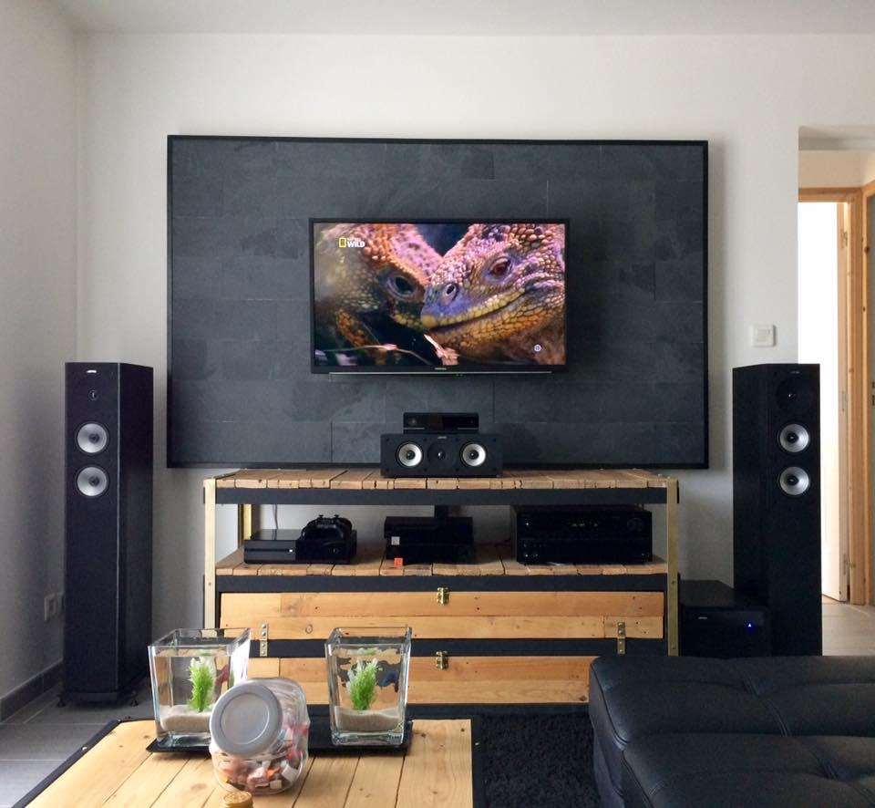 Un Meuble T L Industriel Petit Prix Bidouilles Ikea # Meuble Tv Home Cinema Industriel Diy