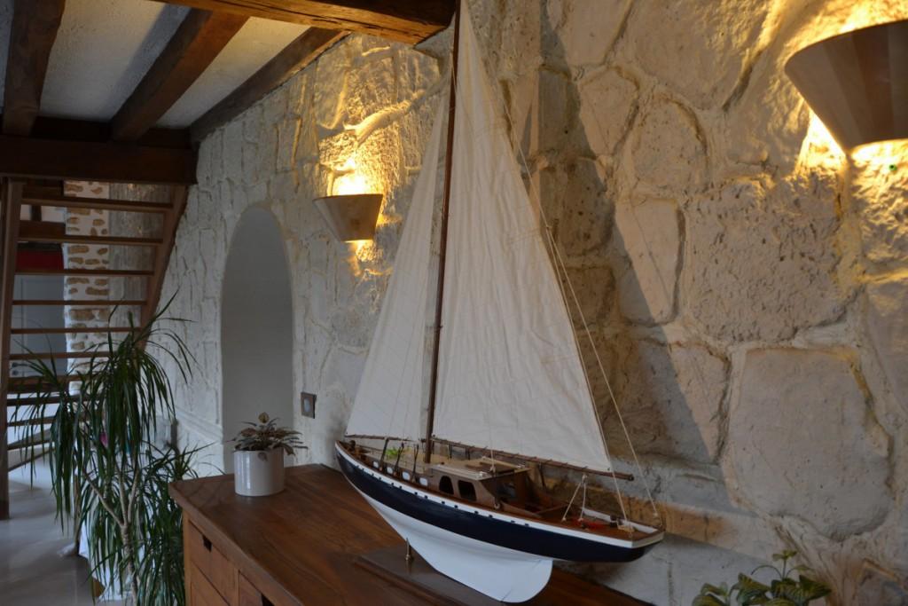 d tournement d 39 un saladier sekin en applique murale. Black Bedroom Furniture Sets. Home Design Ideas
