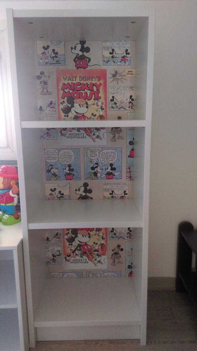 Bibliothèque Billy personnalisée pour une chambre d\'enfant en bas âge