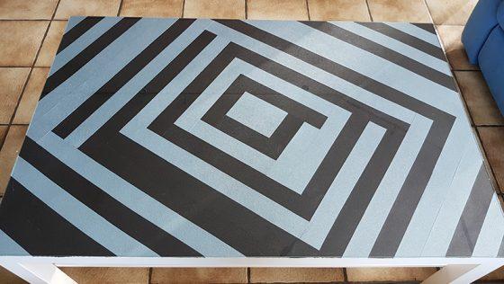 Table basse moderne décor cuir