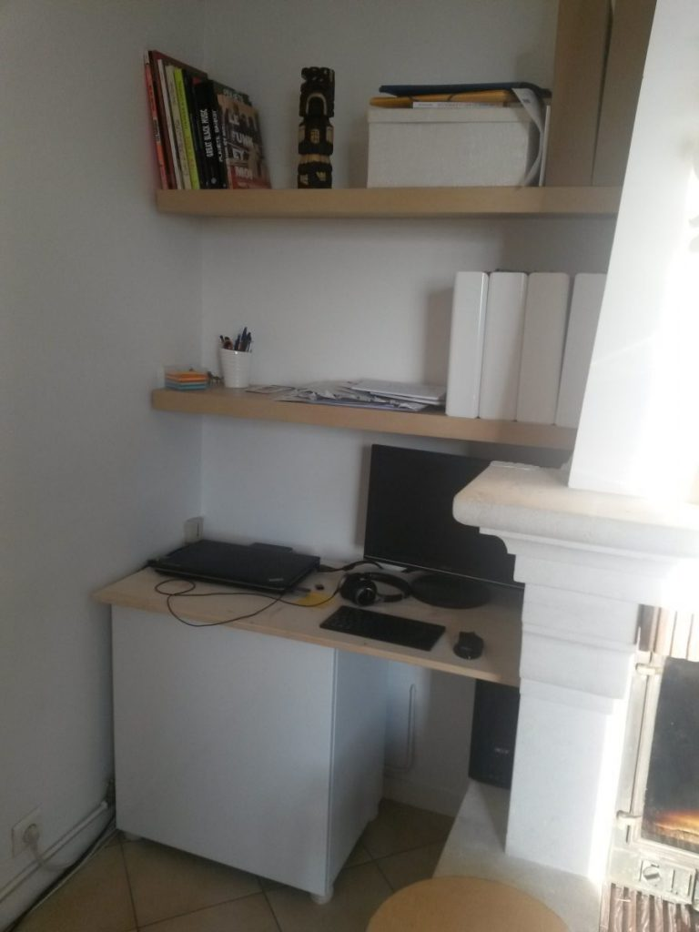 Un coin bureau dans le salon bidouilles ikea for Meuble bureau pour imprimante