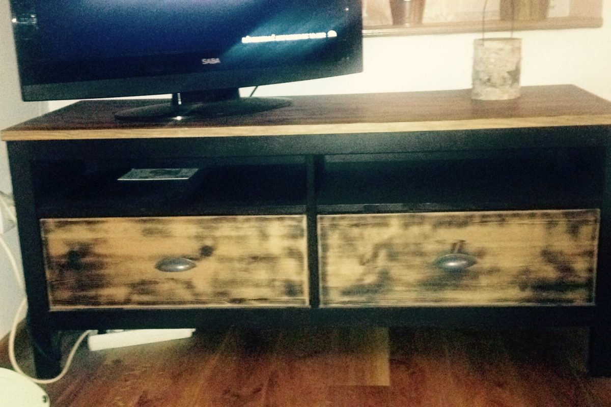 relooking meuble tv hemnes. Black Bedroom Furniture Sets. Home Design Ideas