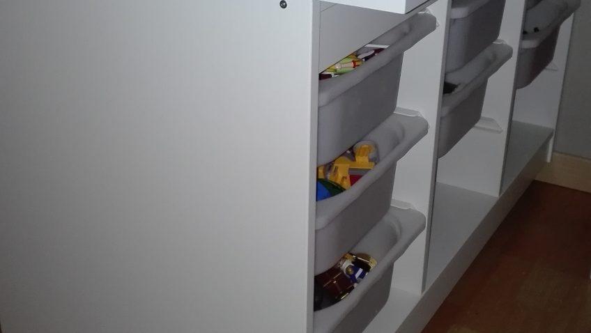 une table de jeu pour playmobil. Black Bedroom Furniture Sets. Home Design Ideas