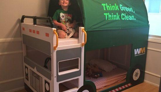 Le lit KURA camion poubelles