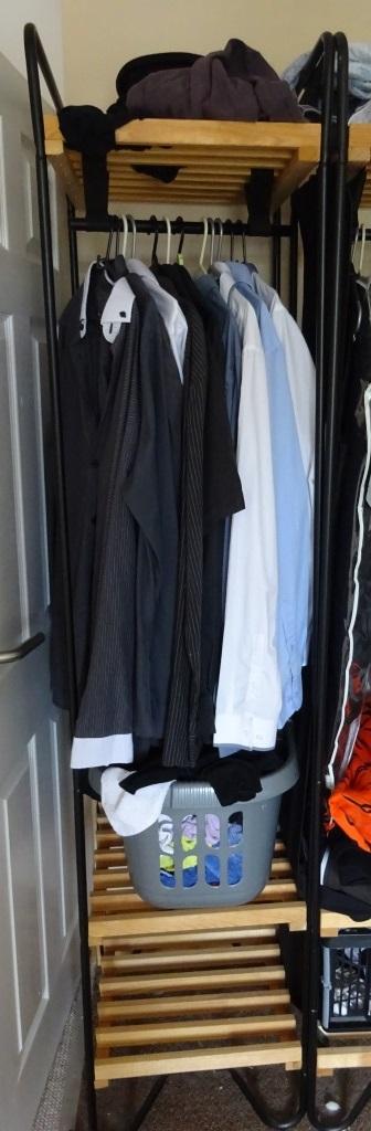 Bodo mini wardrobe