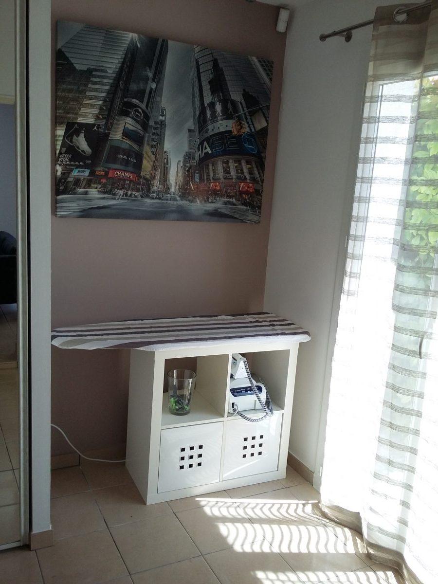 kit de repassage avec kallax. Black Bedroom Furniture Sets. Home Design Ideas