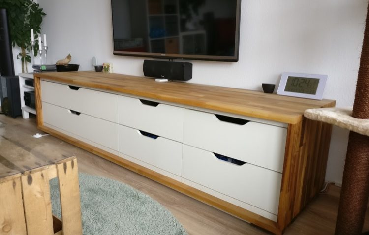Un Long Meuble Tv à Partir Du Ikea Stolmen