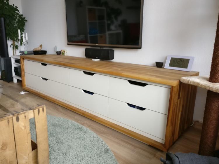 Un Long Meuble Tv 224 Partir Du Ikea Stolmen