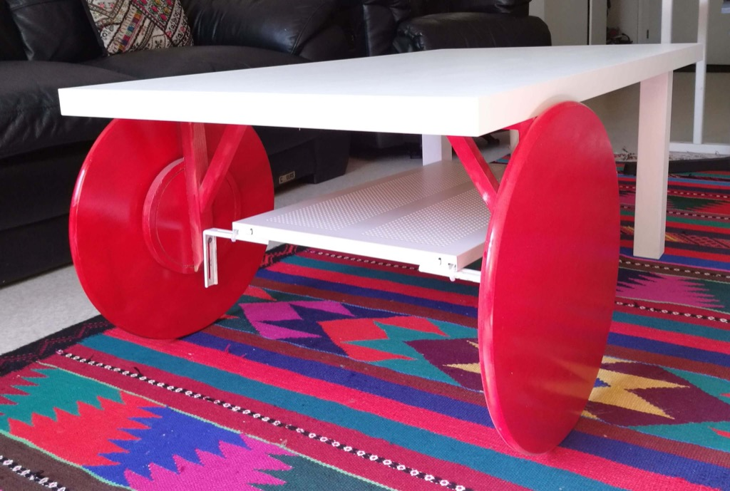 fabriquer une table basse roulettes. Black Bedroom Furniture Sets. Home Design Ideas