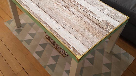 Une table basse LACK au look Design