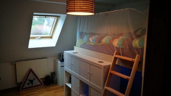 Une chambre d'enfant avec KALLAX